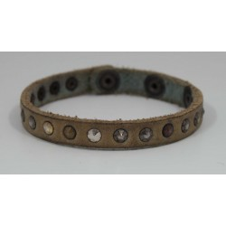 LEATHER UNISEX BRACELET WITH SMALL STUDS